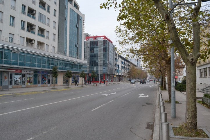 Avenida que conduce a la Torre del Reloj