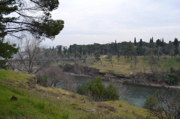 Río en el centro de Podgorica