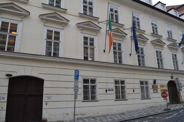 Embajada de Irlanda en Praga, República Checa / Irish Embassy in Prague, Czech Republic / Por: Blog de Banderas