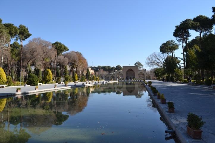 Espejo de agua en el Palacio de Chehel Sotoun