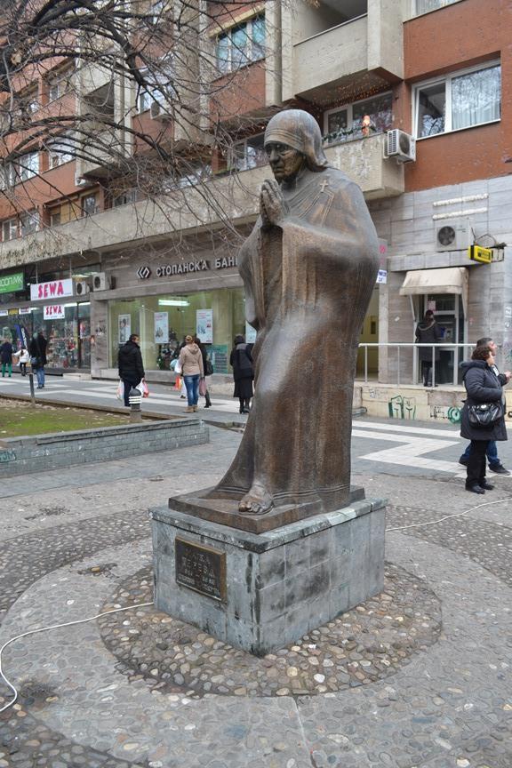 Calle peatonal en el centro de Skopje donde se encuentra la casa de la Madre Teresa