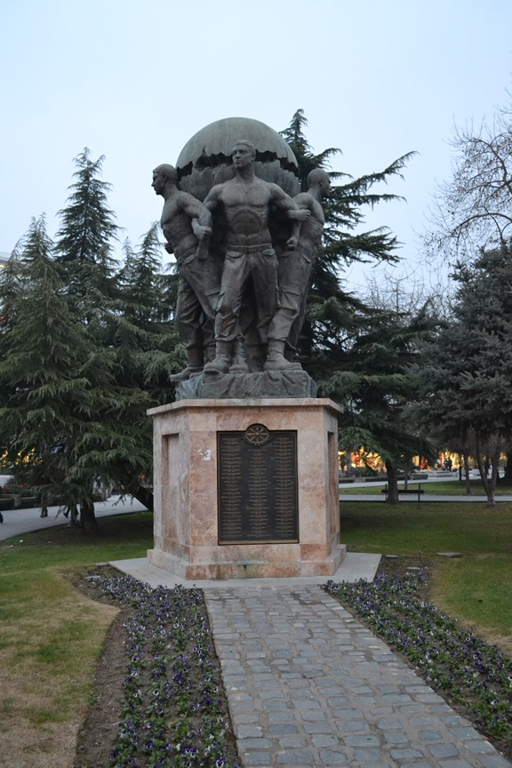 Monumento a los defensores de Macedonia