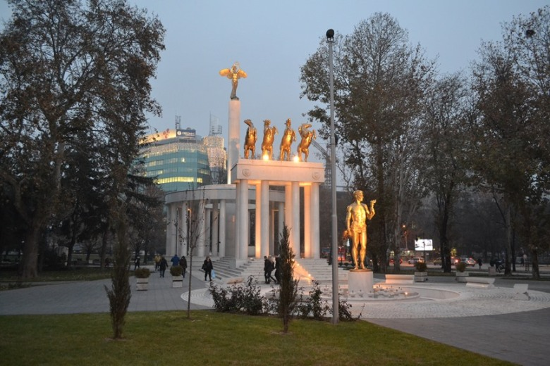 Monumento a los héroes caídos
