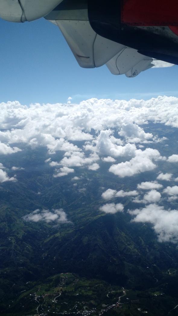 Descendiendo hacia el Aeropuerto La Nubia de Manizales, Colombia (Cortesía: Ricardo Gutiérrez)