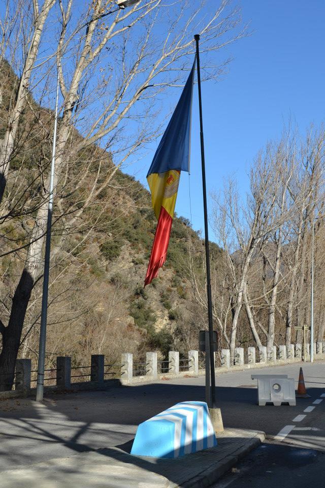 Bandera Andorra (11)