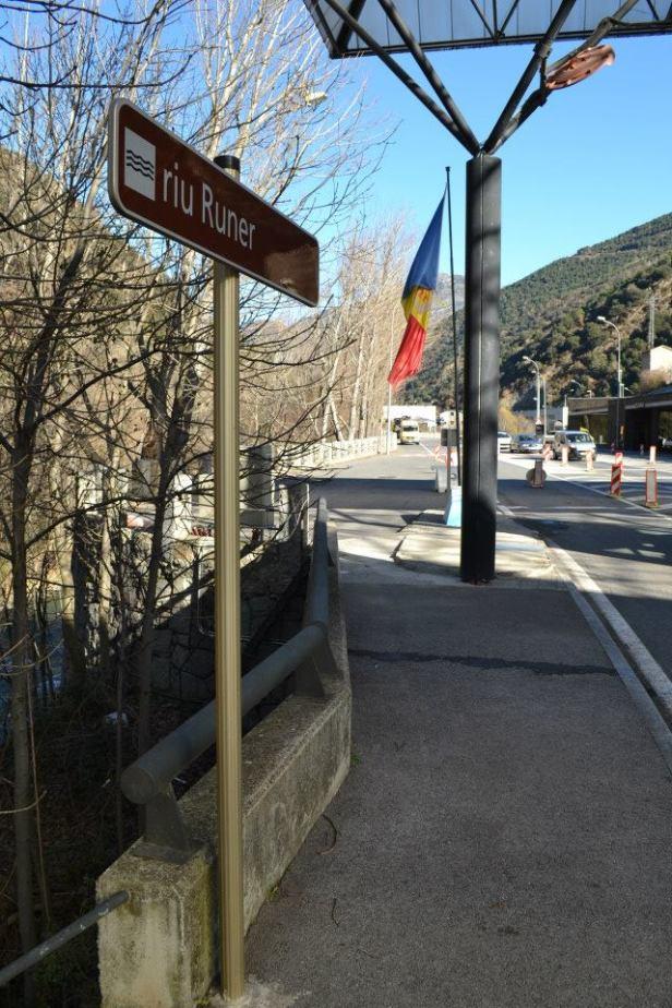 Bandera Andorra (13)