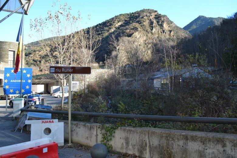Bandera Andorra (14)