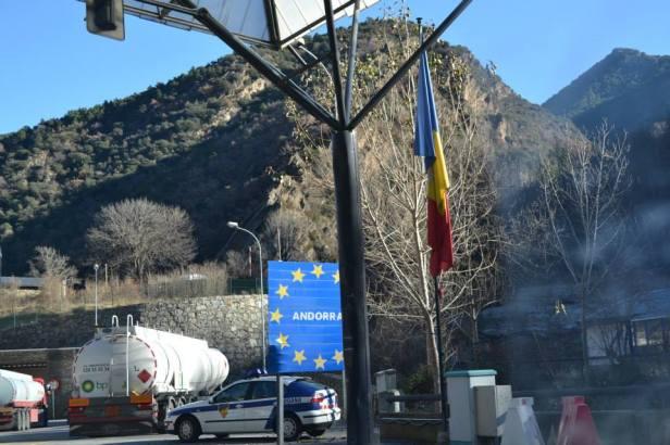 Bandera Andorra (17)