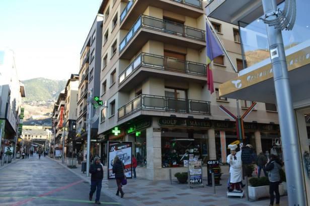 Bandera Andorra (6)