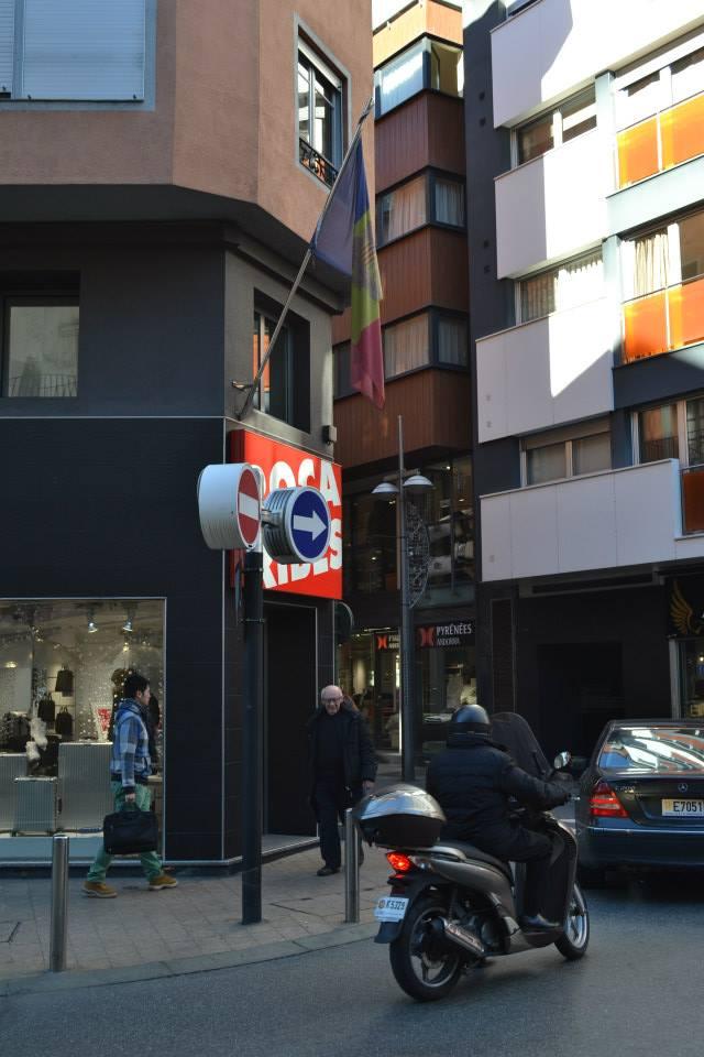 Bandera Andorra (8)