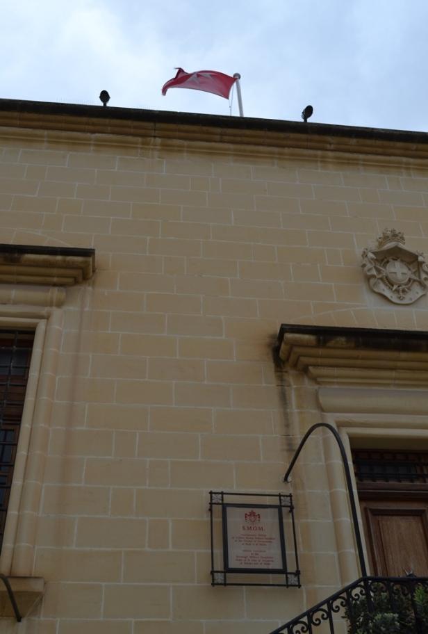 Asociación Maltesa de la Orden de Malta - La Valletta, Malta / Maltese Association of the Order of Malta - Valletta, Malta / Por: Blog de Banderas