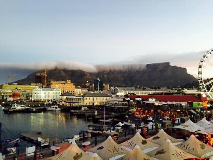 Ciudad del Cabo y la Montaña de la Mesa vistas desde el Waterfront