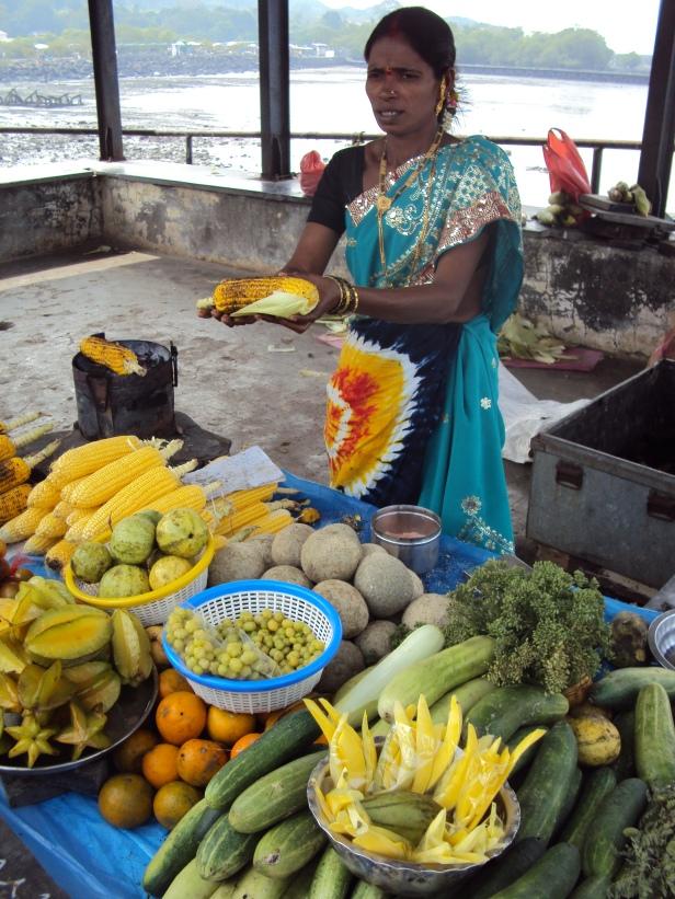 Venta de frutas en la Isla Elefanta