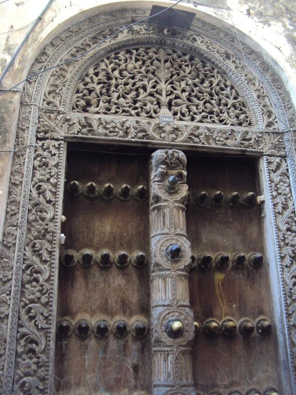 Puertas talladas en Stone Town, Zanzíbar