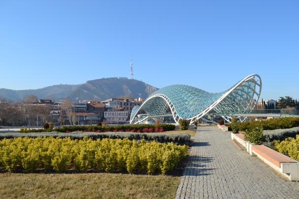 Puente sobre el Río Kura