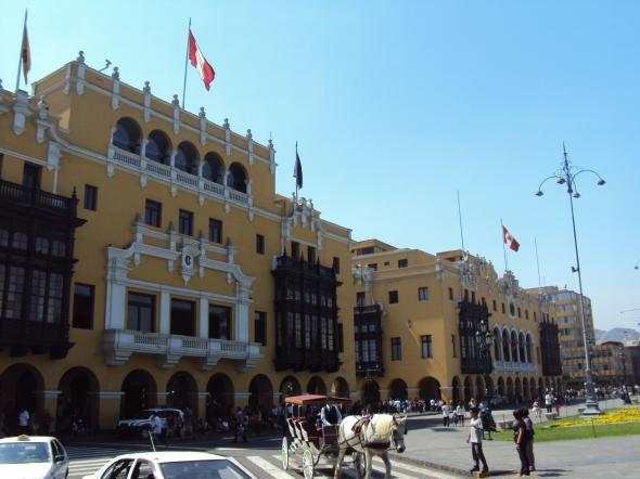 Edificios en la Plaza Mayor de Lima