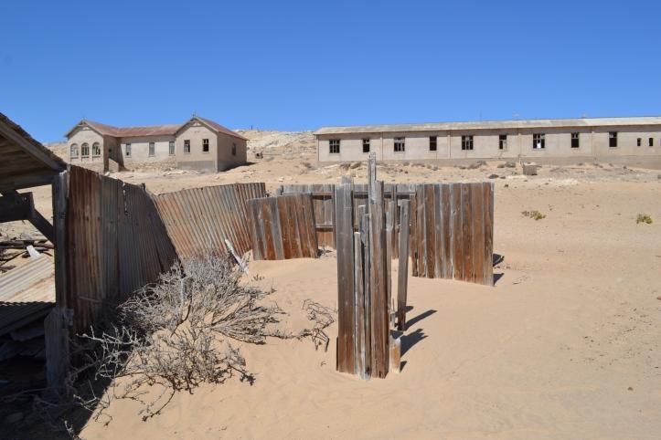 Dunas adentro de los edificios en Kolmanskop