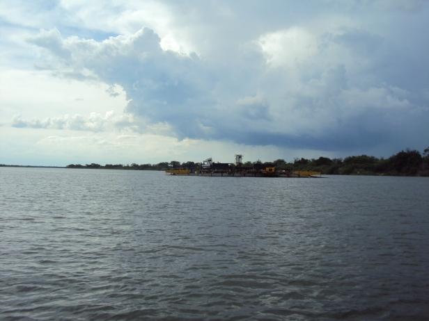 Río Zambeze entre Zambia y Botswana