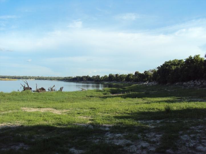 A la izquierda: Botswana, a la derecha: Zimbabwe