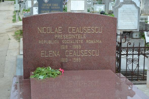 Tumba actual de los Ceaușescus (Fuente: el buen mapache)