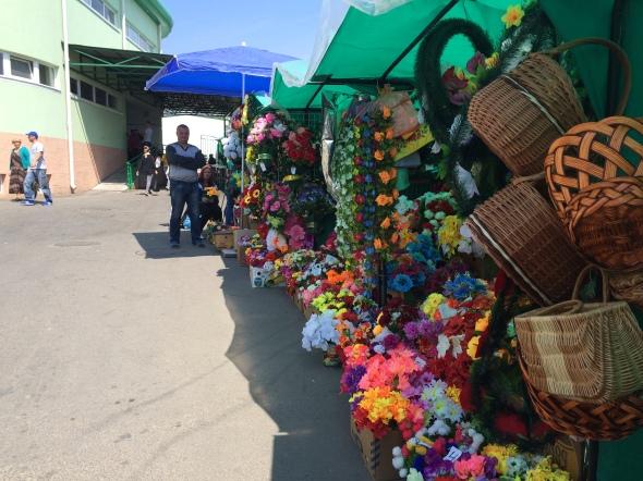 34-flores-en-el-mercado-de-tiraspol