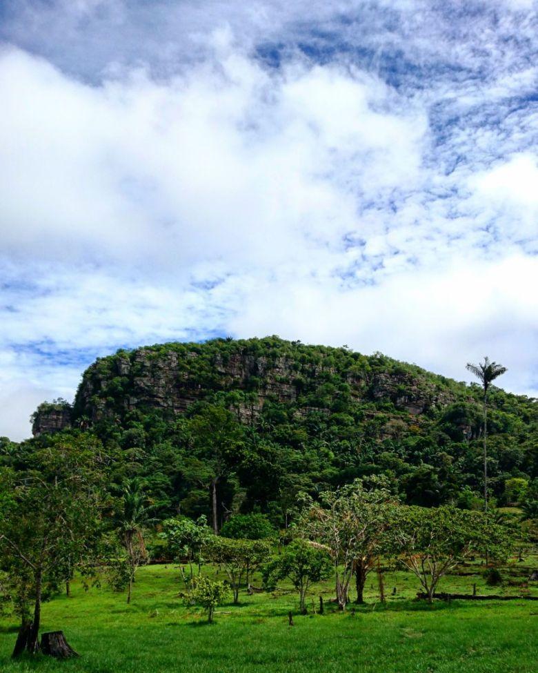 Formaciones rocosas de la Serranía de La Lindosa en Nuevo Tolima Pelos