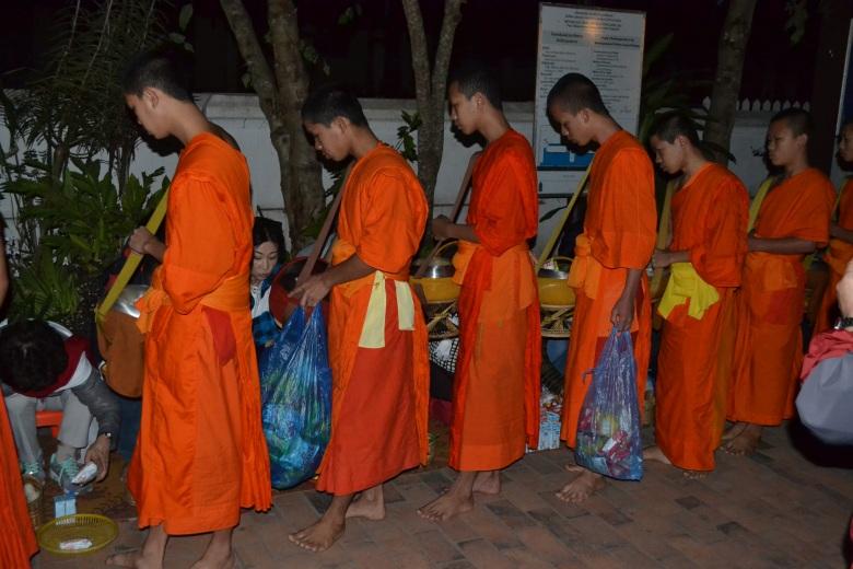 2017.01.09 Luang Prabang, LA (Cám) (18)
