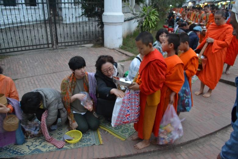 2017.01.09 Luang Prabang, LA (Cám) (21)