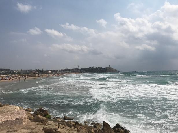 Playas de Tel Aviv con Yafo al fondo