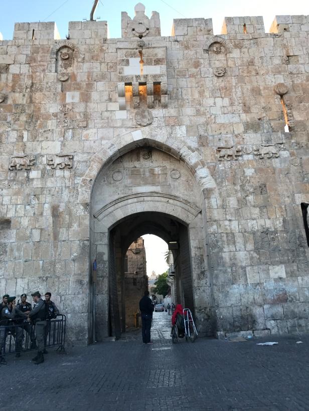 Puerta de entrada a la ciudad vieja de Jerusalén