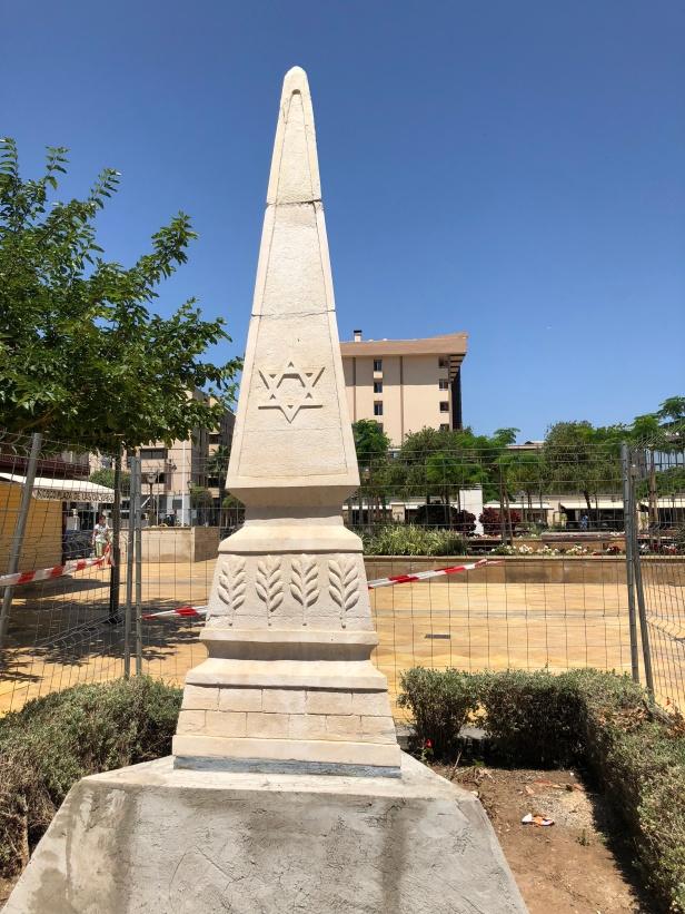 Monumento judío en la plaza de las cuatro culturas
