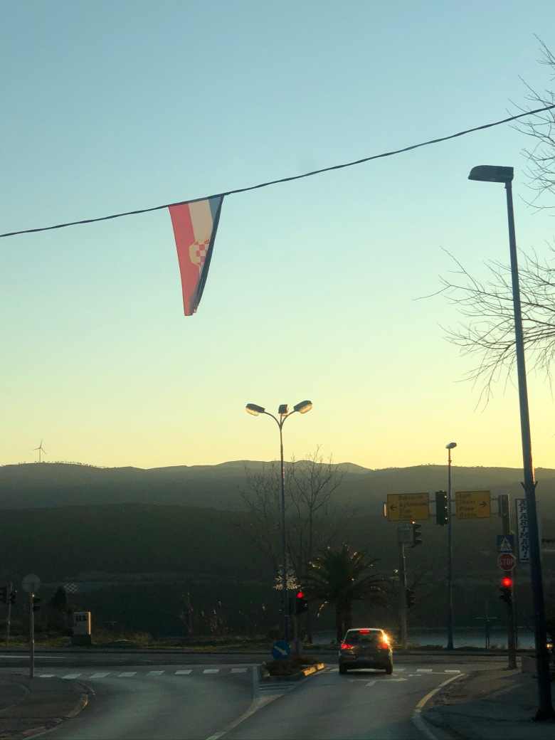 18. Bandera bosnio-croata en Neum