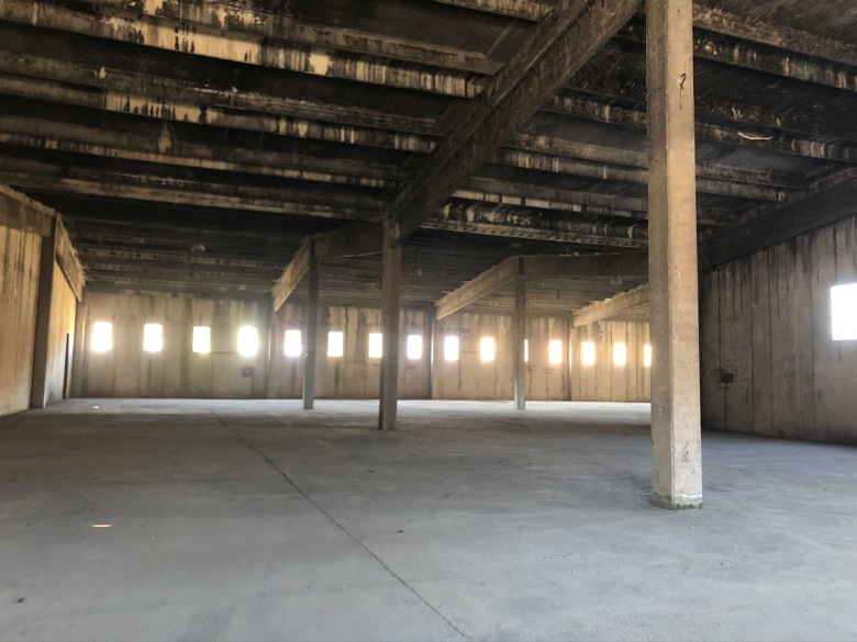 57. Fábrica abandonada