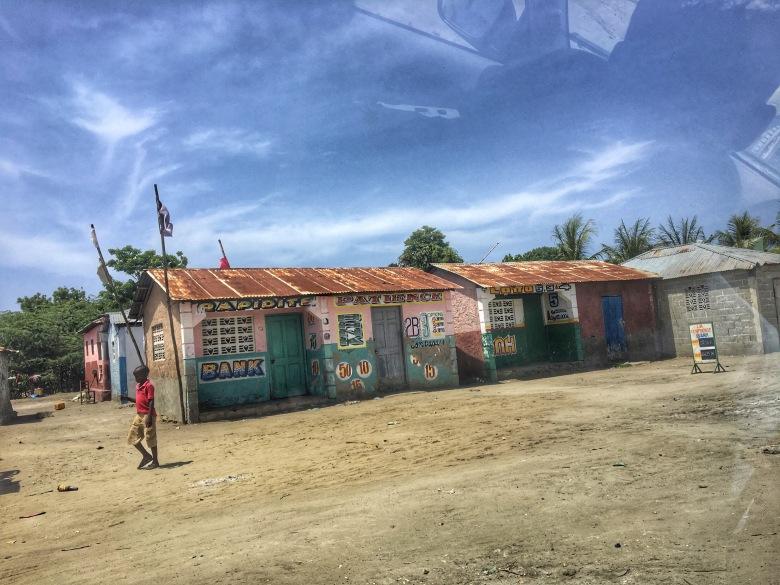 Casa con bandera Vudú - Lemonade